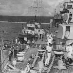 tn_With destroyer portside